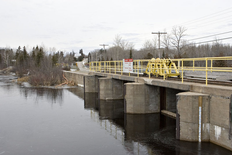 Dam at south end of Long Lake along Highway 573.