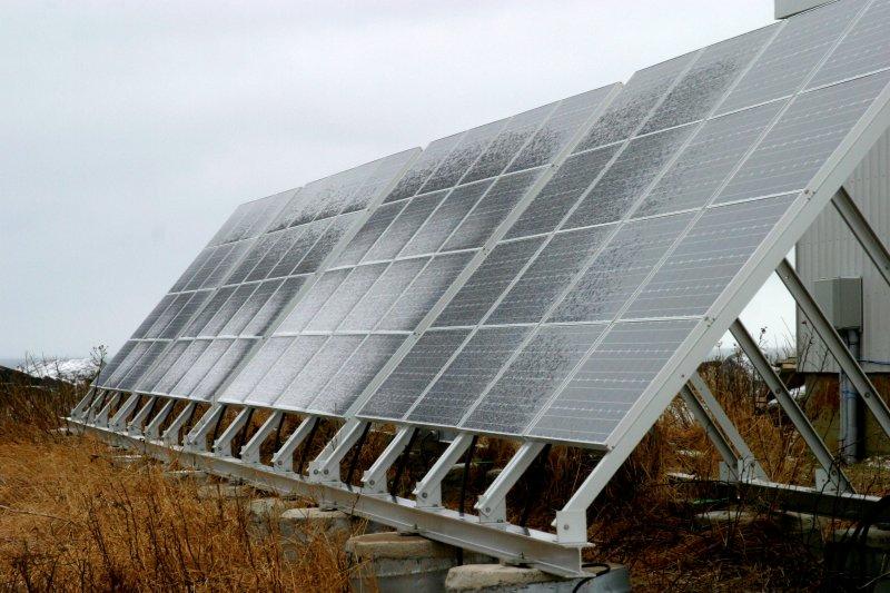 082  SOLAR PANEL ARRAY