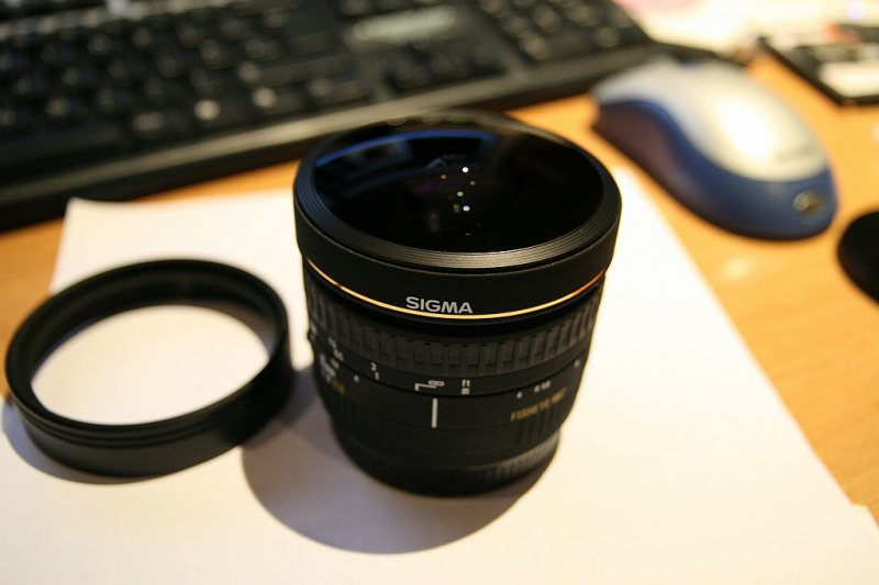 Heres the Sigma fisheye in all its naked glory!