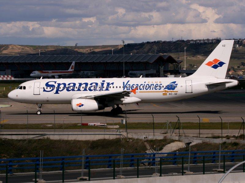A320 EC-IIZ MAD,