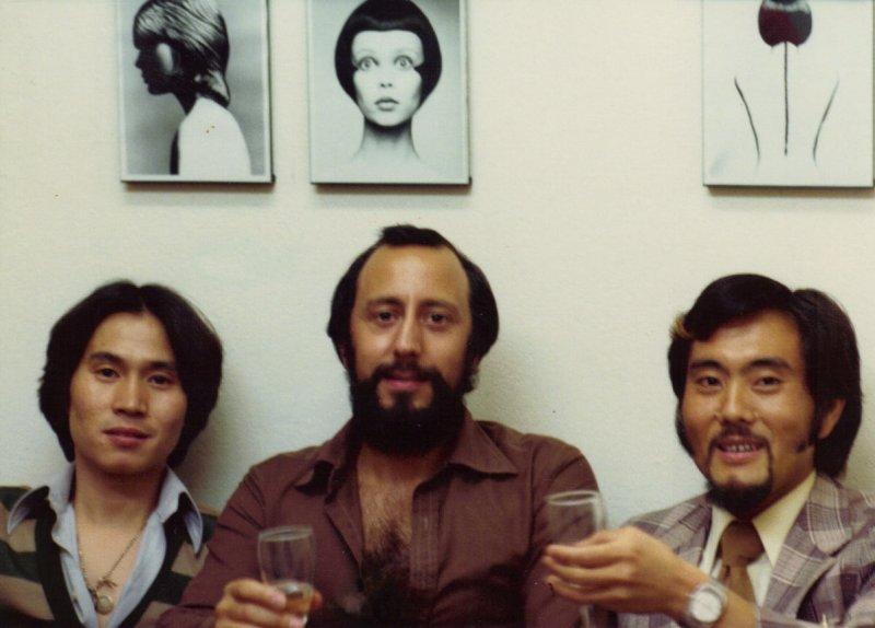 Fumio Kawashima and Santilli with a Japanise student