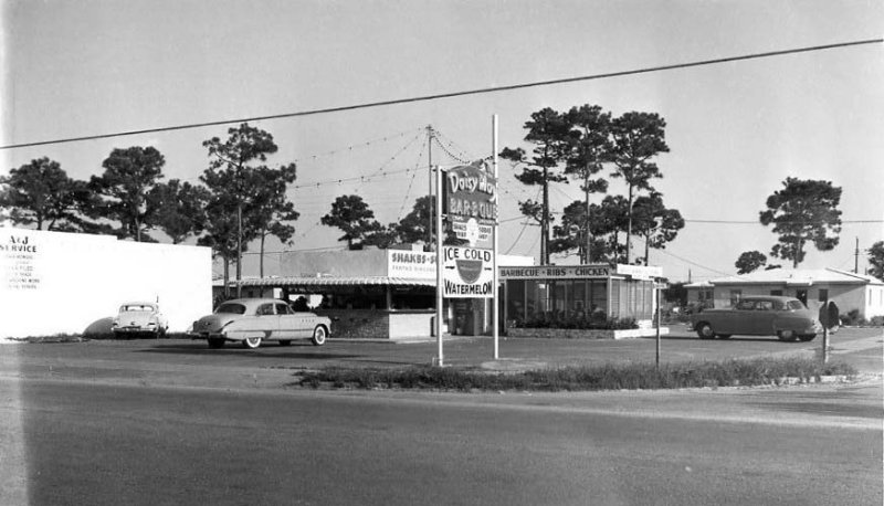 Daisy May Bar-B-Que on Tamiami Trail
