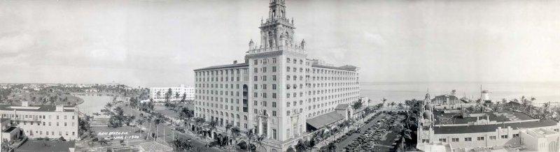 1930 The Roney Plaza Hotel On Miami Beach