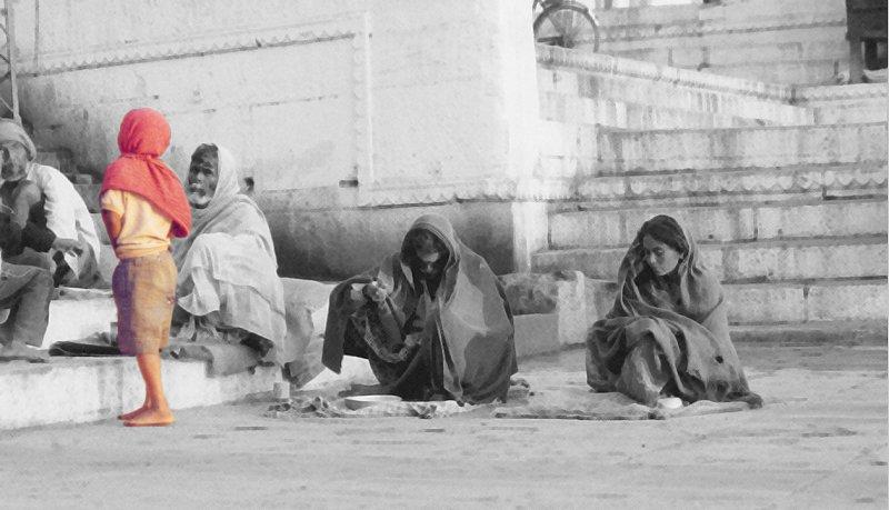 Varanasi : the boy and the beggars
