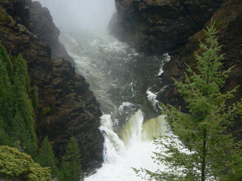 Lower Hemcken falls.jpg
