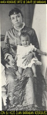 Maria Rdz de Barragan con Juan Barragan (bebe)