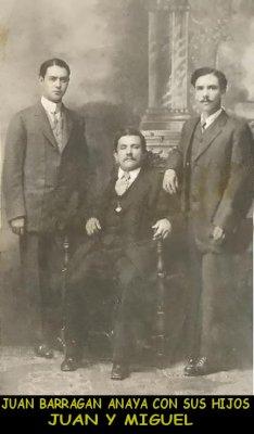 32_Juan Barragan y sus hijos.jpg