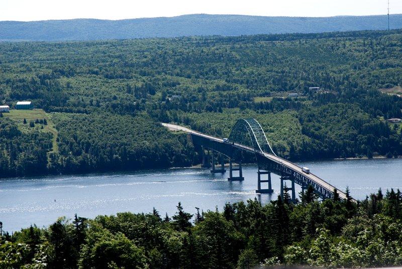 Bridge over Bras Dor.jpg