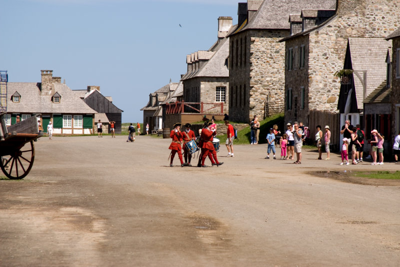 Fortress Louisbourg drum and fife.jpg