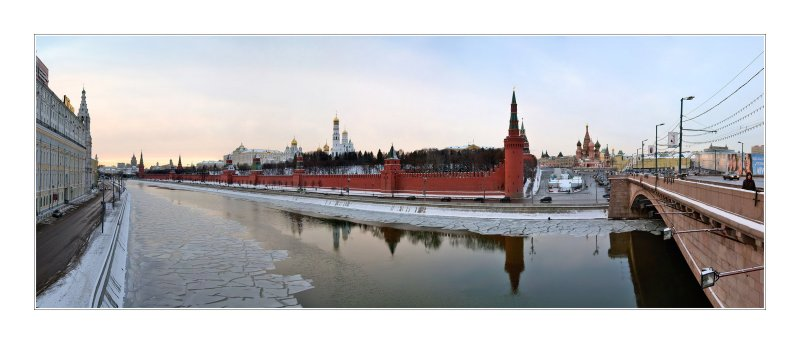 Moscow, Kremlin view from Bolshoi Moskvoretsky bridge