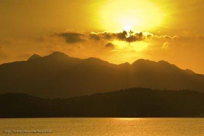 Sai Kung Sharp Island Sunset - ¦è°^¾ô©C¬w¤é¸¨