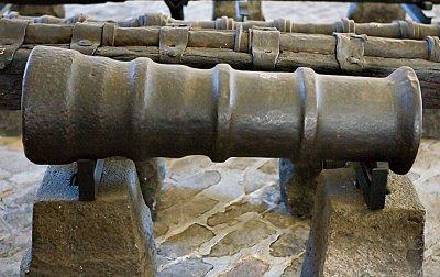 14-punds bakladekanon av støpejern, 15/1600-tallet,