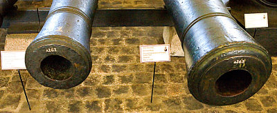 24- og 36-punds bronsekanoner