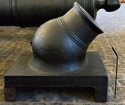 12-punds støpejernsmorter av Flåtens system 1692