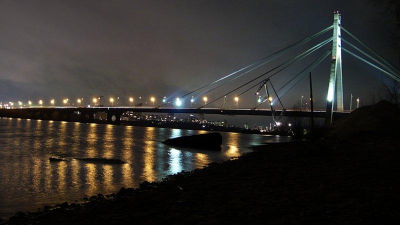 Moskovsky bridge.jpg