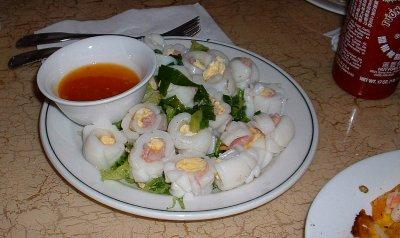 Egg-stuffed Squid rolls