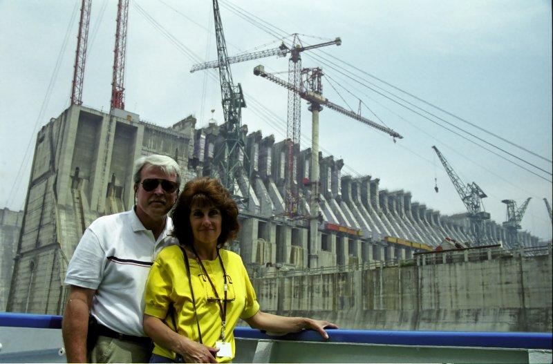 Sailing ByThe 3 Gorges Dam