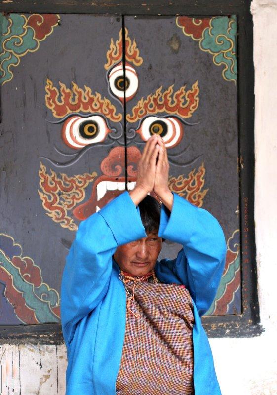 Praying at the Dzhong II