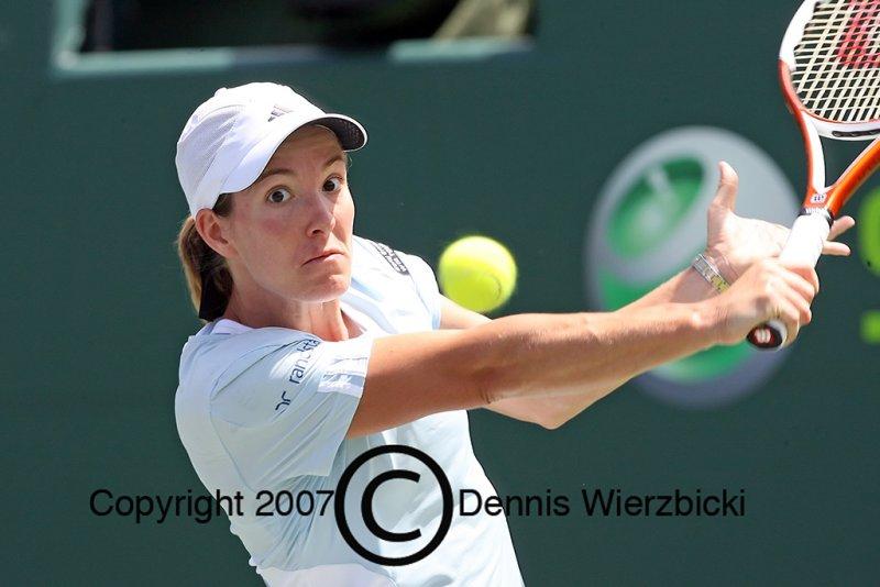 Justine Henin 032 29MAR07.jpg