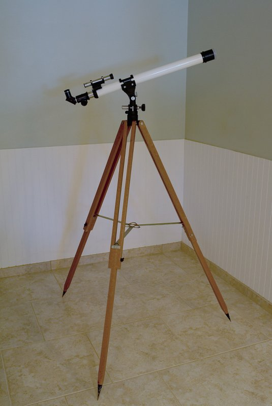 Unitron-Polarex Model 127 1.6 F 700mm 17.5 Altaz