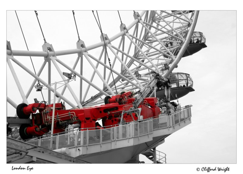 28_11_06 - London Eye Red
