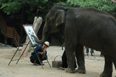 0410TH2289E - Elephant painting, Chiang Mai, THAILAND