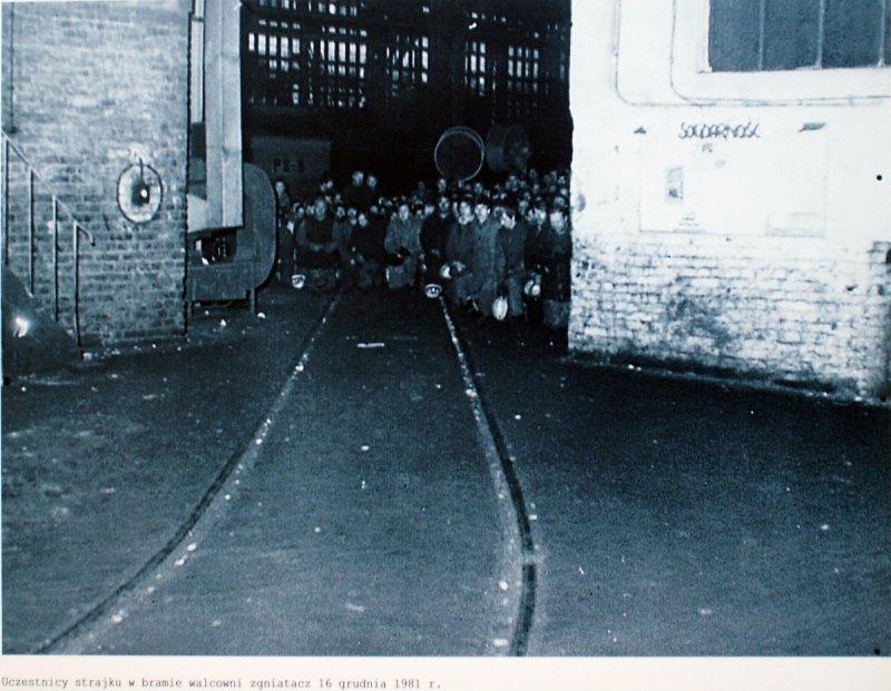 strike in Nowa Huta 16 december 1981