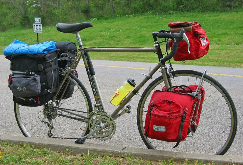 152  Keith - Touring through Tennessee - Trek 620 touring bike
