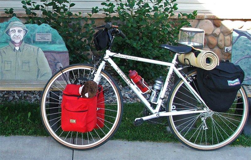 198  Sophie - Touring Minnesota - Trek 720 touring bike