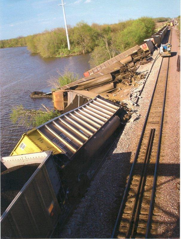 Nelson Illinois Union Pacific Derailment 2007.JPG