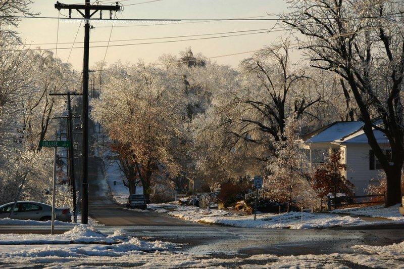 Daniel Street Looking West
