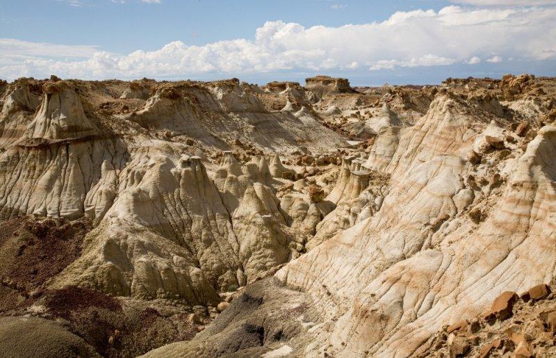 007 Canyon of hoodoos_8197Cr2Lce7Sshrp58-0.3`0610081228.jpg