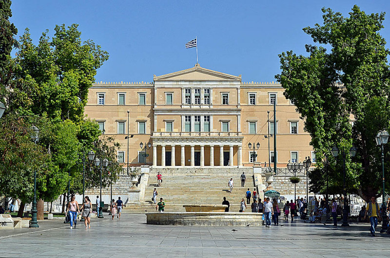 32_Syntagma Square and the Parliament.jpg