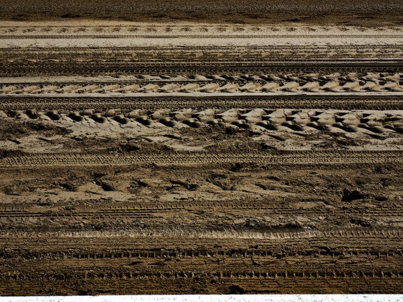 Patterns  along the inner rail