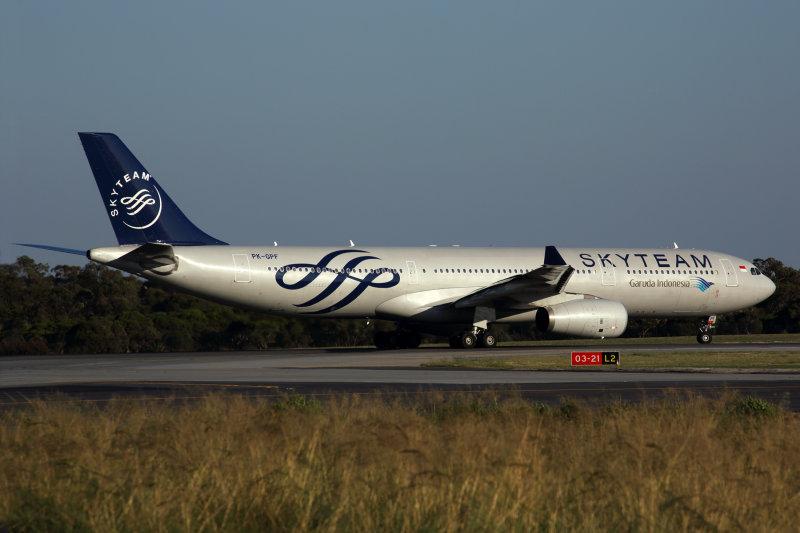 GARUDA INDONESIA AIRBUS A330 300 PER RF 5K5A0111.jpg