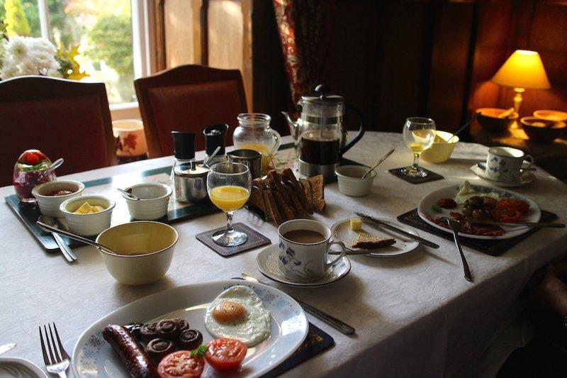 Breakfast at Low Bishopley Farm