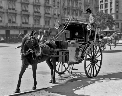 1900 - Handsom cab for hire