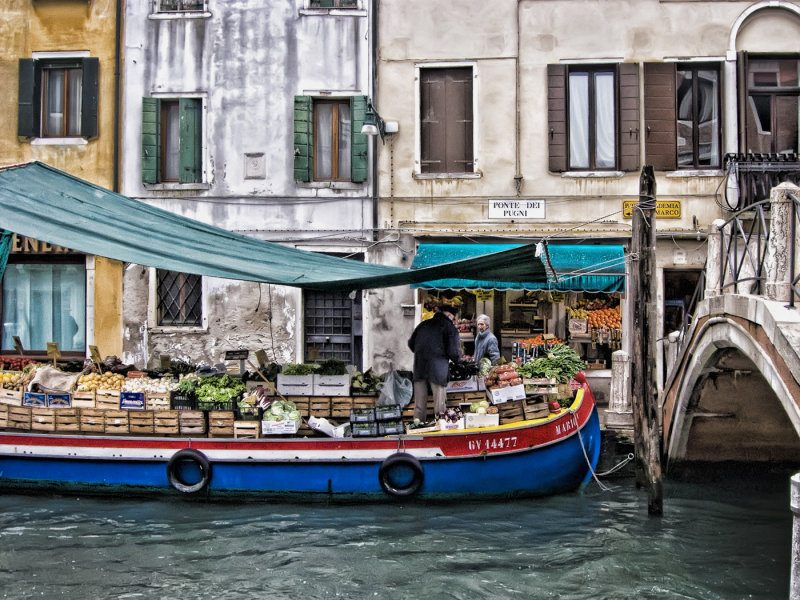 Grocery Barge at Ponte Dei Pugni