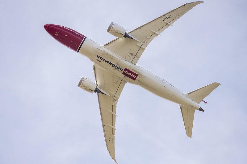 5/19/2016  Norwegian Long Haul Boeing 787-8 Dreamliner Grete Waitz LN-LND