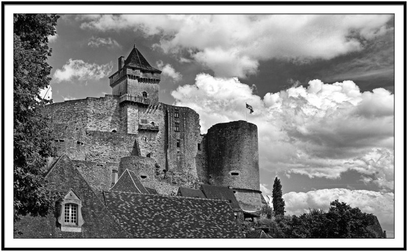 Castelnaud Place mono