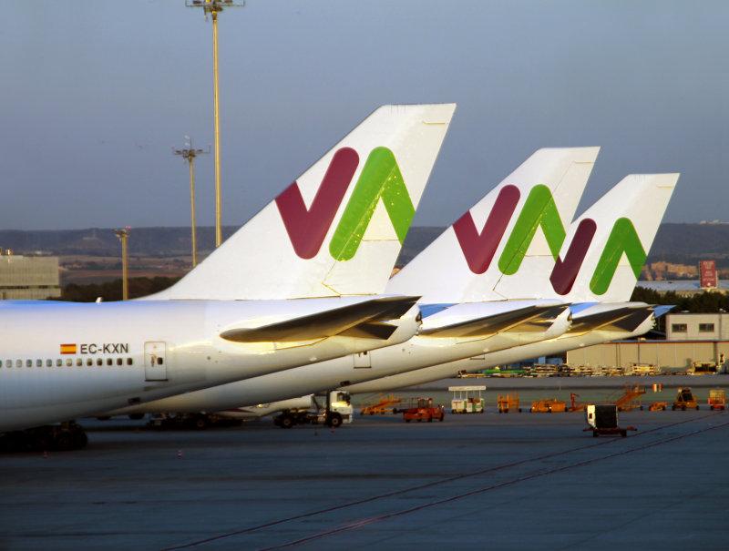 WAM 747-400s lineup