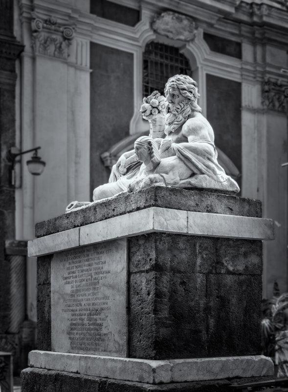 statua del dio Nilo - o cuorpo e Napule