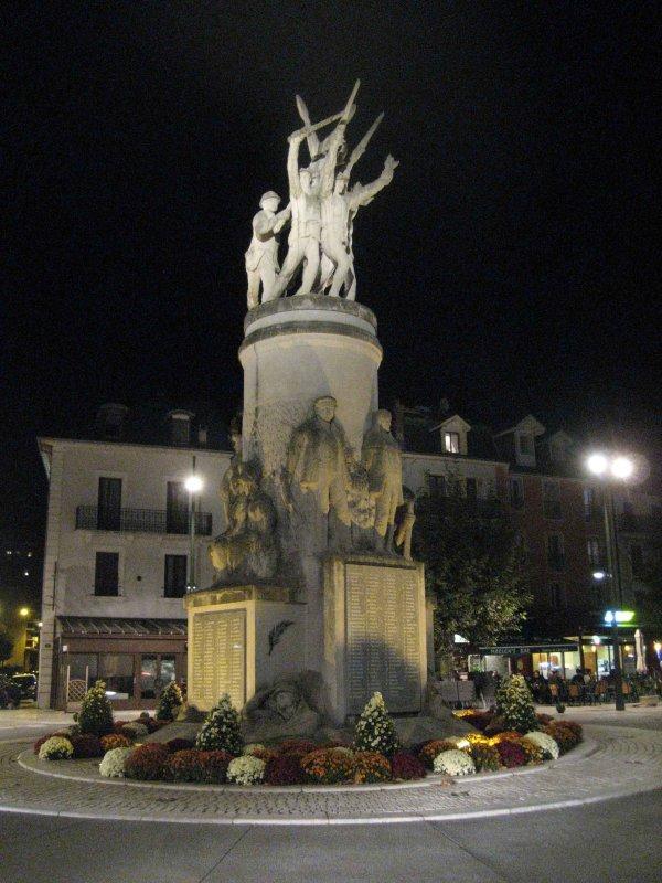 Aix-les-Bains a son monument aux morts comme chaque localité française