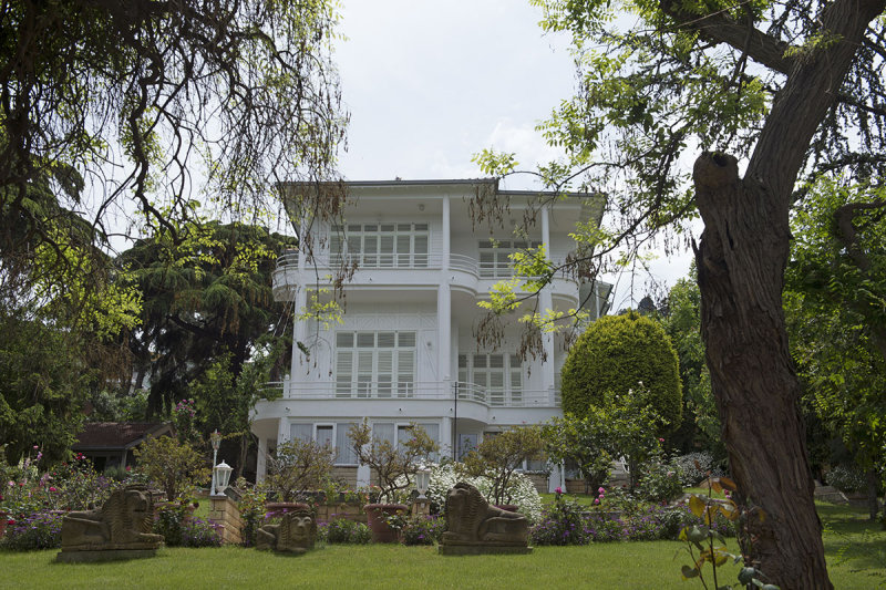 Istanbul Big Princes Island May 2014 6546.jpg