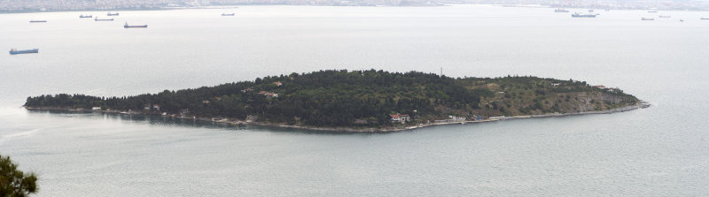 Istanbul Big Princes Island May 2014 panorama 6579.jpg