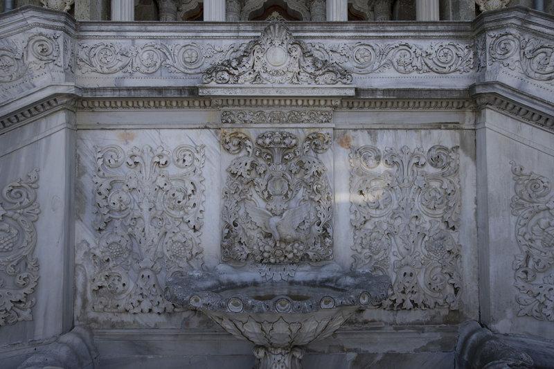 Istanbul Kucuksu Palace May 2014 8854.jpg