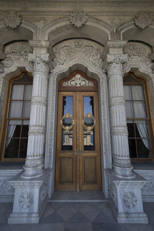 Istanbul Kucuksu Palace May 2014 8858.jpg