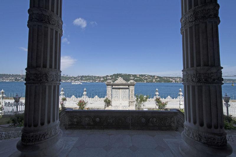 Istanbul Kucuksu Palace May 2014 8859.jpg