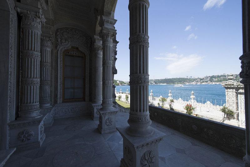 Istanbul Kucuksu Palace May 2014 8860.jpg