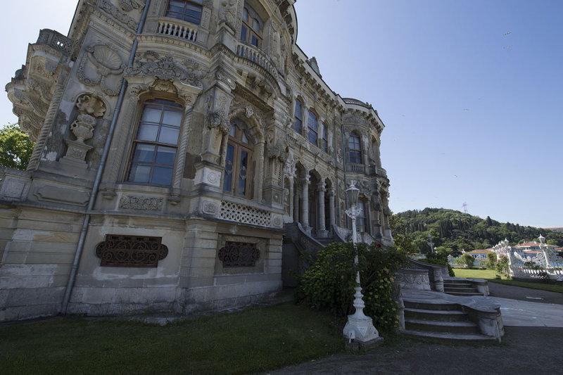 Istanbul Kucuksu Palace May 2014 8864.jpg